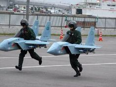 8aae48f0358f15900343ba38c091fd6c--funny-poses-military-pictures